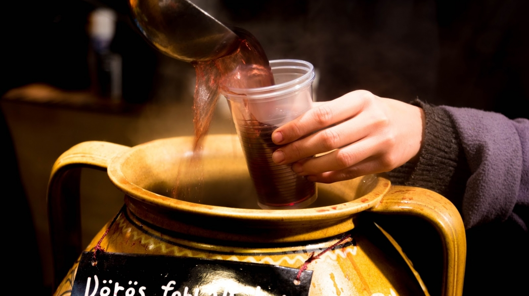 Mulled wine (Forralt bor)